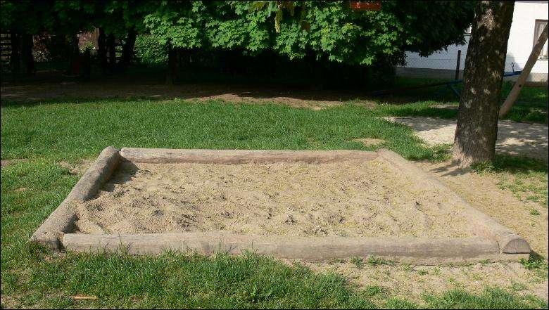 legeplads redskaber - sandkasse naturpaele